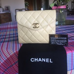 Chanel caviar light beige / cream square mini 24K